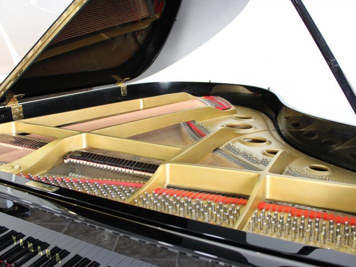 Yamaha C3. Nº serie superior a 1.200.000.