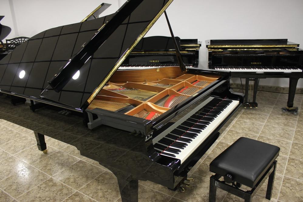 Navidades 2017, llegada de 64 pianos.